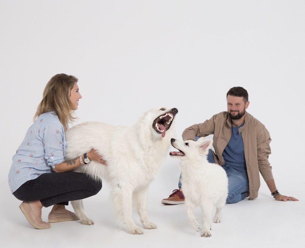 Psi behawioryści Zosia i Piotr Wojtków ze swoimi psami