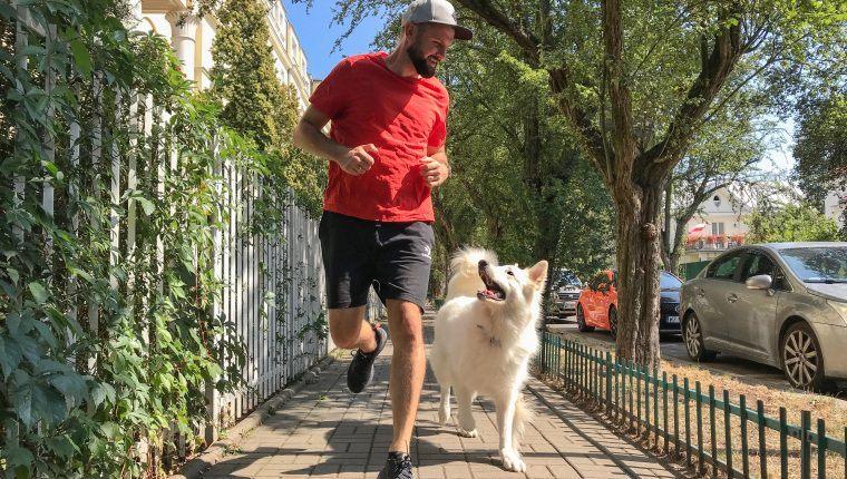 Piotr Wojtków trening biegowy z psem